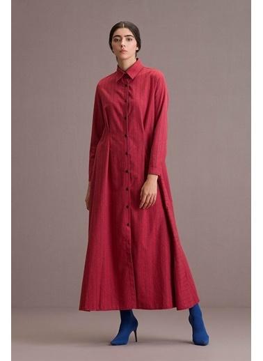 Eda Atalay Düğme Detaylı Çizgili Gömlek Elbise Kırmızı
